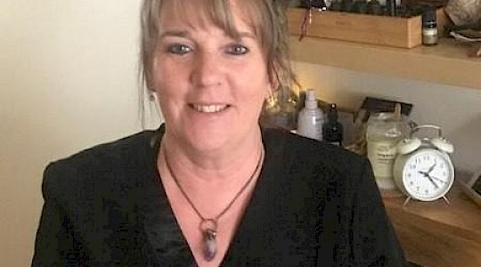 Interview – Introducing Reiki Master Gaynor Thomas IPHM